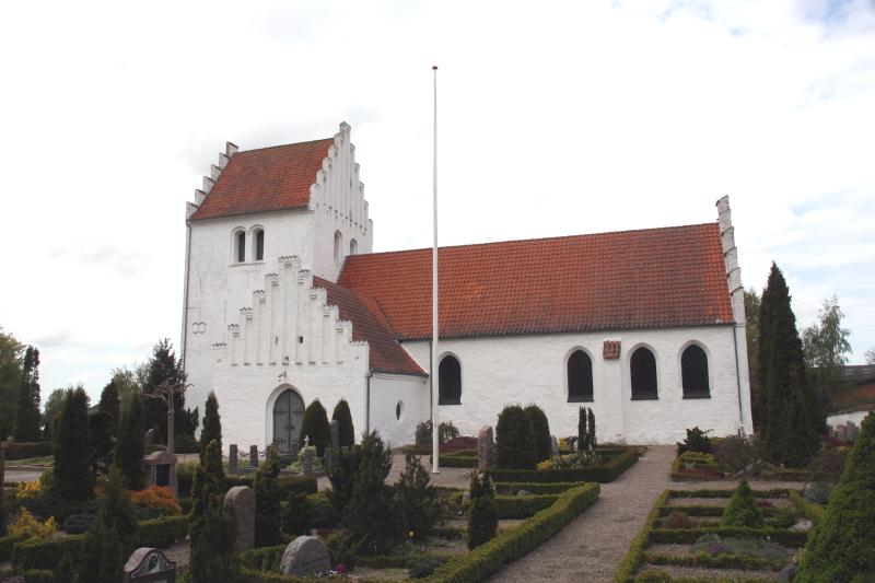 Kvanløse Kirke. Foto: Rolf Larsen.