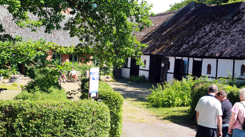Den gamle slægtsgård Hestebedgård på Orø er nu museum. Foto: Jesper von Staffeldt.